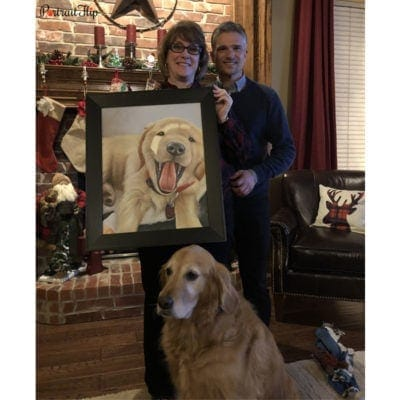Happy customer with a acrylic family portrait