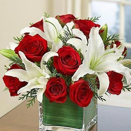 Garden lily rose bouquet