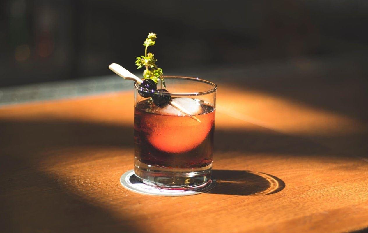 Rocking cocktail glasses